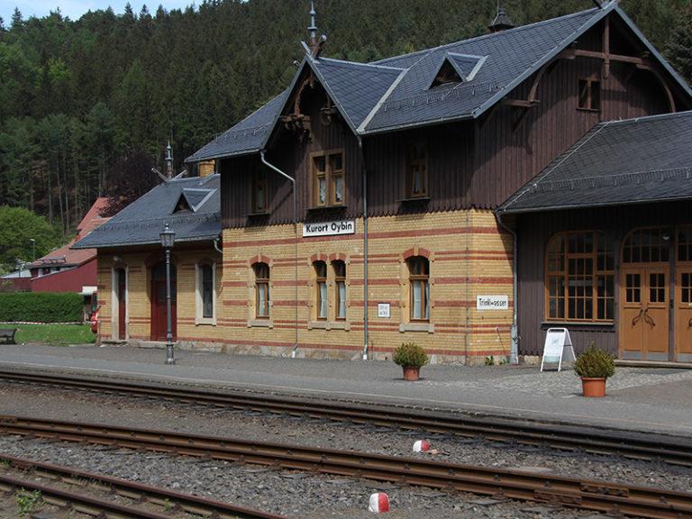 Zittauer_Gebirge_Bahnhof_Oybin_800